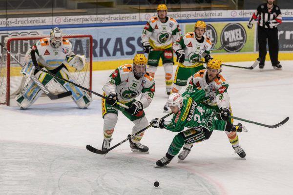 Im Halbfinale setzten sich die Lustenauer gegen den EC Bregenzerwald durch.sams