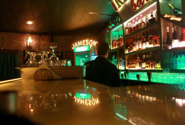 In Bagdad eine Bar mit alkoholischen Getränken zu betreiben, ist gefährlich.AP