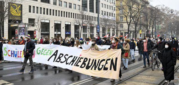 In Wien wurde gegen die Abschiebung protestiert. APA