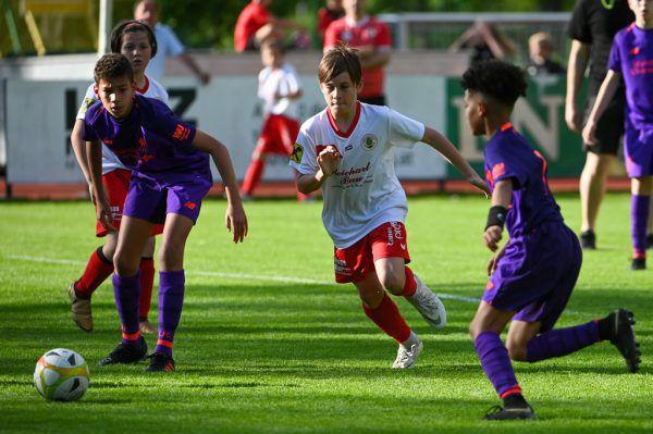 Kinder und Jugendliche sollen wieder Sport in Vereinen machen dürfen.Lerch