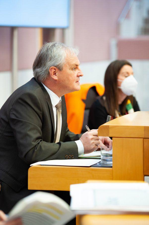 Landtagspräsident Harald Sonderegger hat Dienstagmorgen von der Entscheidung erfahren.Vorarlberger Landtag/Serra
