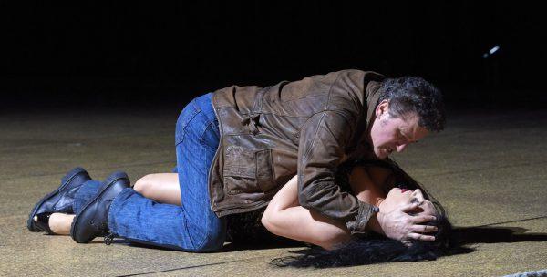 "Piotr Beczała und Anita Rachvelishvili in ""Carmen"".Wiener Staatsoper / Michael Pöhn"