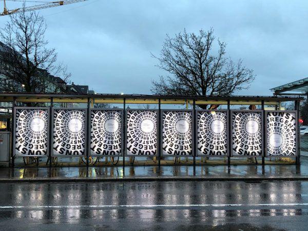 Plakate machen in der Stadt auf die neuen Förderungen aufmerksam.Reichart