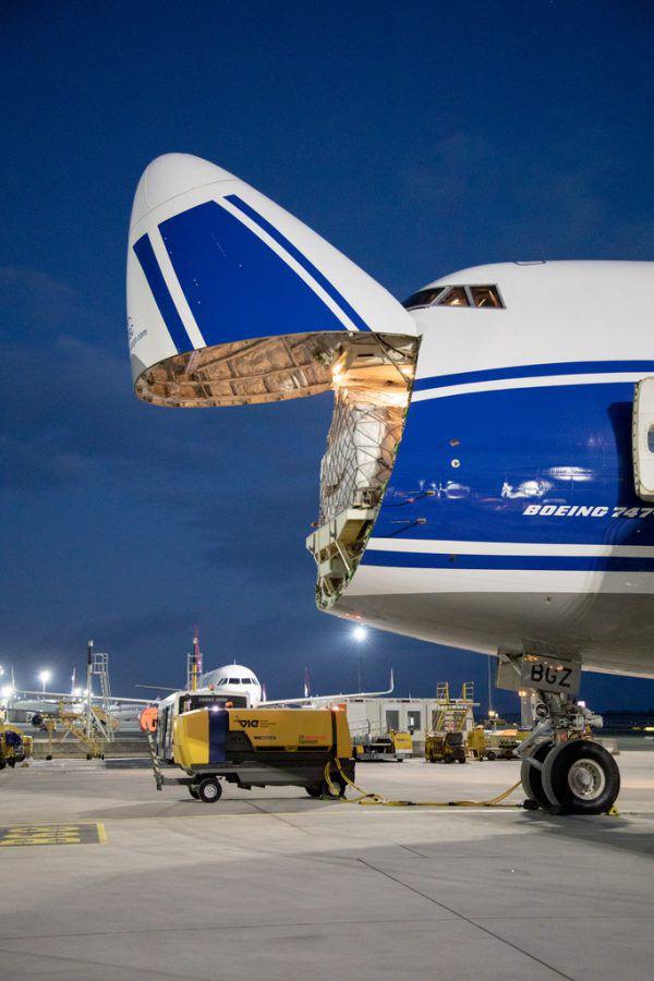 Sieben Millionen FFP2-Masken wurden in dem Jumbojet nach Österreich geliefert. APA/ARMAN RASTEGAR