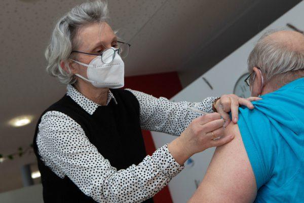 Über 80-Jährige, die zu Hause leben werden geimpft.Hartinger