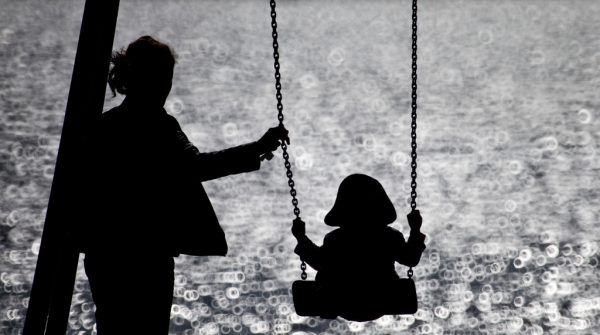 """Alleinerziehende Elternteile trifft die Corona-Krise besonders schwer. Für ÖPA-Sprecherin Jana Zuckerhut wurde zur Unterstützung dieser jedoch """"zu wenig und zu kurzfristig gedacht"""".Symbolbild/dpa"""
