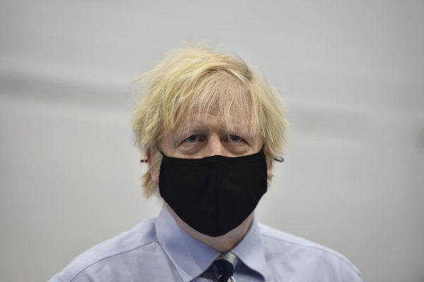 Boris Johnson stellte das Programm am Freitag vor.AP