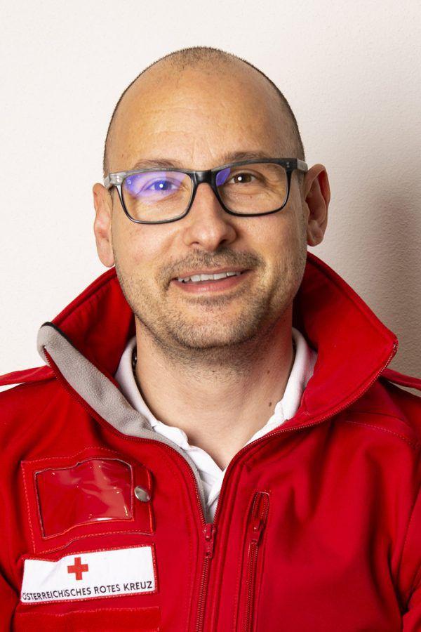 Daniel Peter (41) ist seit 23 Jahren beim Roten Kreuz. Zuerst ehrenamtlich, seit 2001 hauptberuflich.