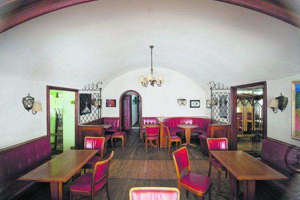 Das Kaffeehaus in bester Altstadtlage steht seit Ende 2019 leer. hartinger