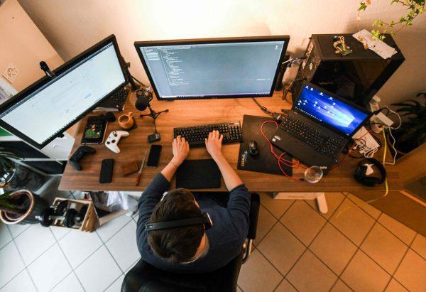 Die repräsentative Umfrage macht auf gewaltige Missstände im Bereich des Home Office aufmerksam. Symbolbild/AFP