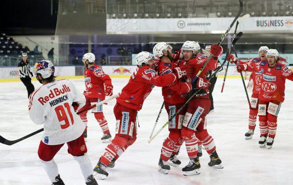 Die Spieler des KAC konnten auch im zweiten Duell mit Salzburg jubeln.apa