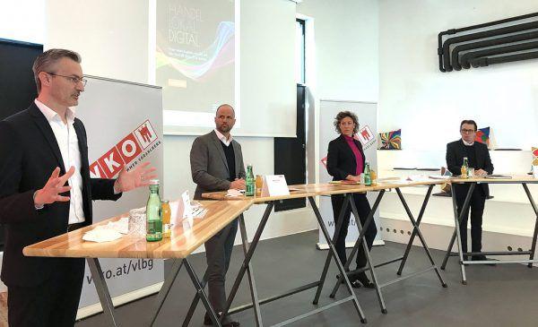 Die Vorarlberger Betriebe sind in Hinblick auf Digitalisierung ganz unterschiedlich aufgestellt, unten die gestrige Pressekonferenz. Hartinger/WKV