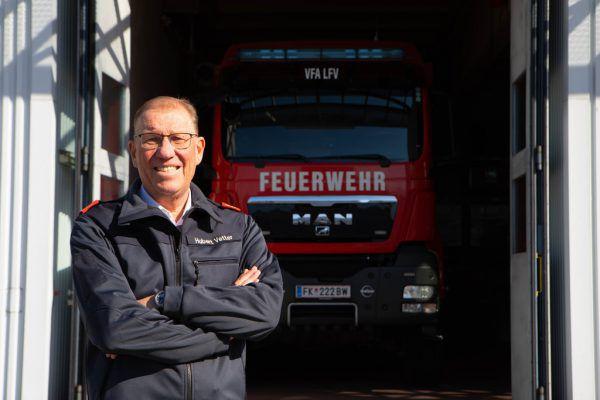 Nach 15 Jahren als Landesfeuerwehrinspektor (LFI) hat Hubert Vetter sein Amt im März diesen Jahres mit Herbert Österle (Bild oben) an jüngere Hände übergeben. KlaUs Hartinger (2)
