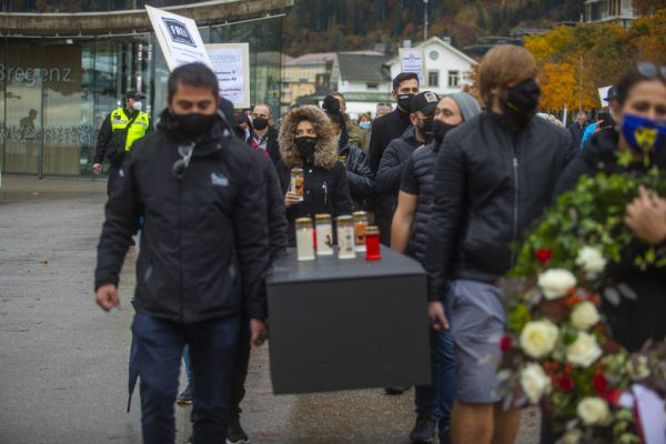 Im Oktober hatten die Gastronomen in einem Trauermarsch die Gastronomie zu Grabe getragen.Paulitsch