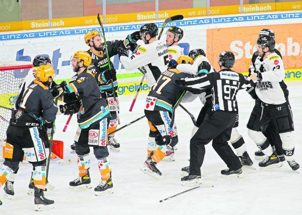 In Linz ging es gestern zur Sache. Die Black Wings brachten Play-off-Charakter ins Spiel.BWL, Gepa (2)