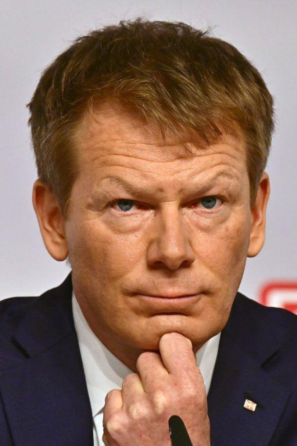 Richard Lutz bleibt bis 2027 Konzernchef der Deutschen Bahn.Reuters (1)/ Apa/AFP (1)