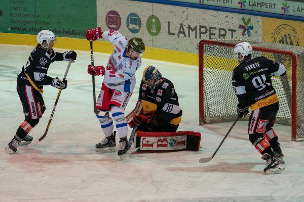 Torhüter Alex Caffi (r.) hielt die VEU Feldkirch mit seinen Paraden lange Zeit im Spiel. stiplovsek