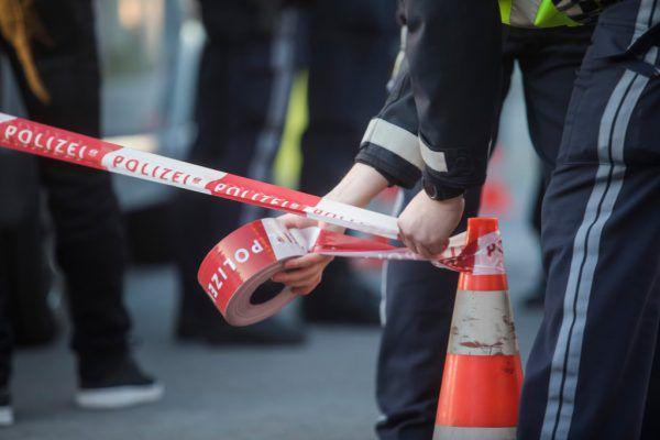 Am Freitagabend kam es in Wolfurt zu einer brutalen Messerattacke. Dem Opfer wurde mit einem 20 Zentimeter langen Küchenmesser in die Brust gestochen. Symbolfoto NEUE