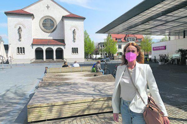 Auch auf dem Lustenauer Kirchplatz gilt ab heute die Masken- und Testpflicht.