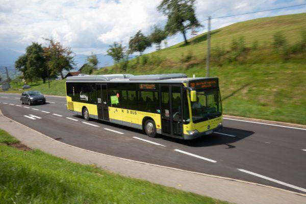 Bregenzerwälder Busse verkehren ab morgen unter leicht geänderter Linienführung. Aufgrund der Ausreisetestverpflichtung muss wohl mit Verspätungen gerechnet werden. hartinger