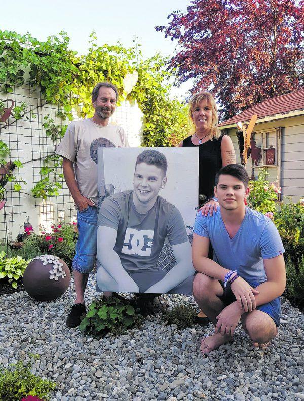 Für Belinda Reis, ihren Mann Hubert und Sohn Davis ist Julien auch nach seinem Tod ein präsenter Teil der Familie.Handout/PrivaT