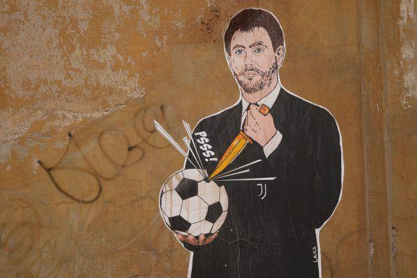 Juve-Präsident und treibende Kraft der Super League, Andrea Agnelli, wie ihn die Fans sehen: als Mörder des Fußballs.  AP