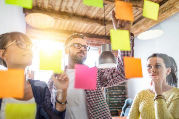 Klein- und Mittelbetriebe sowie Startups sind aufgerufen, ihre Projekte einzureichen.Shutterstock