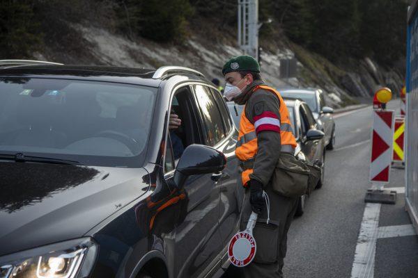Kontrolle bei der Ausreise aus dem Bregenzerwald. Paulitsch