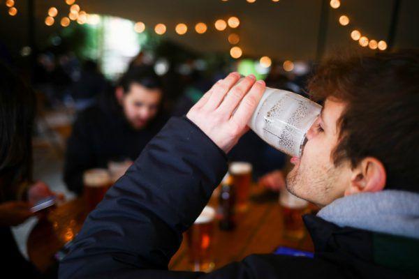 Nach dem Ende des Lockdowns wurden die britischen Pubs gestürmt. Deutsche Brauer profitierten davon jedoch nicht.Reuters