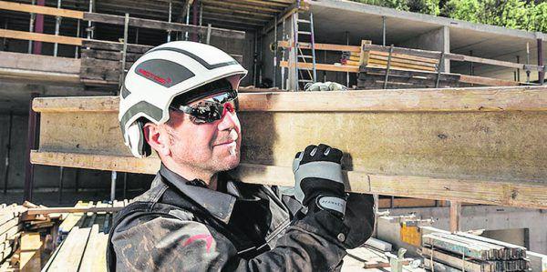 Pfanner Schutzbekleidung will den Protos Integral auch im Bau- und Baunebengewerbe sowie im Industrie-bereich verkaufen.Pfanner Schutzbekleidung