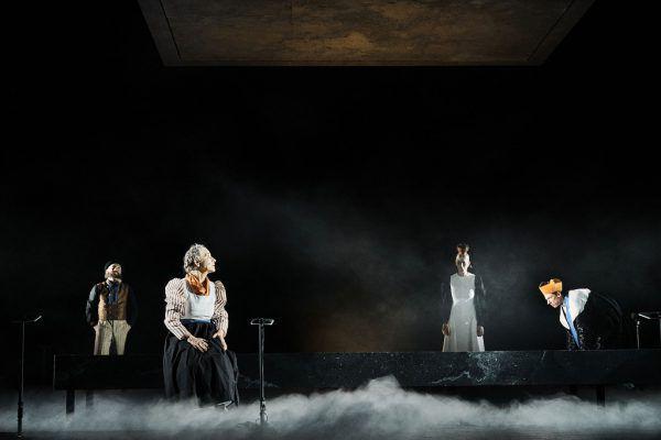 """""""Sprich nur ein Wort"""" wurde gestern uraufgeführt. Im kleinen Bild: Johanna Köster als Mariann Moosbrugger.Anja Köhler (2)"""