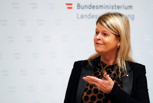 Verteidigungsministerin Klaudia Tanner.Reuters