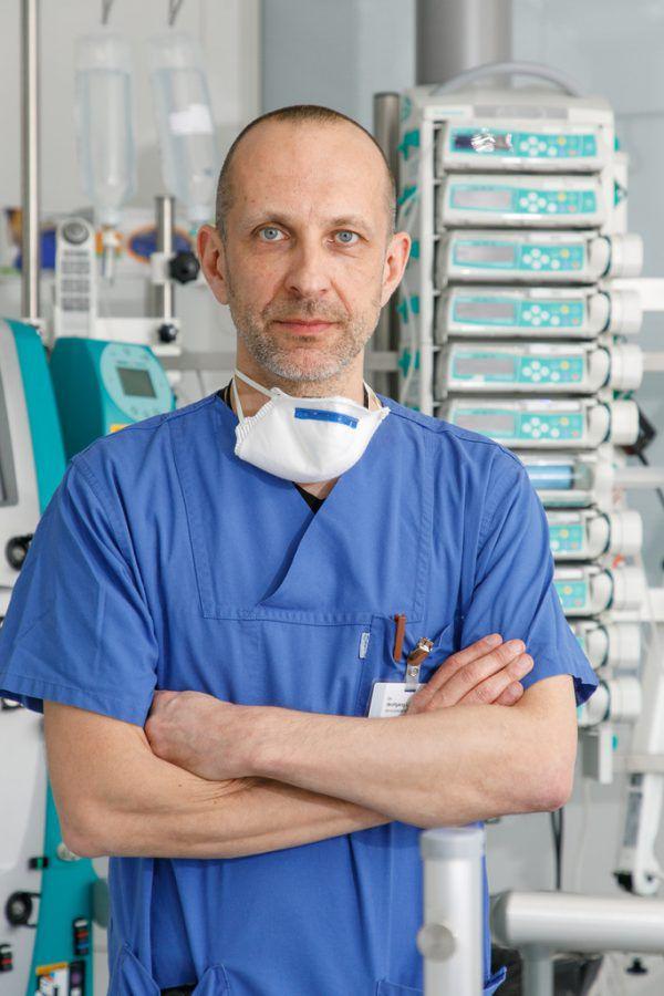 Wolfgang List ist bereichsleitender Oberarzt der Intensivstation am LKH Feldkirch.Hofmeister/KHBG