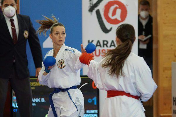 Bettina Plank greift bei der EM nach einer Medaille. karate austria