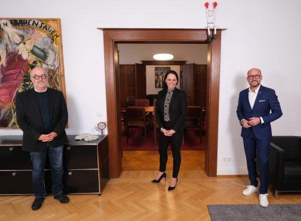 Bürgermeister Michael Ritsch mit dem ehemaligen Leiter Peter Heiler und der Nachfolgerin Bettina Wechselberger.Stadt Bregenz