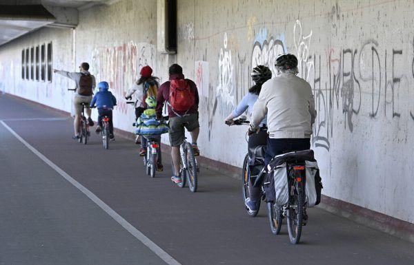 Nicht immer verhalten sich Radfahrer ordnungsgemäß.apa