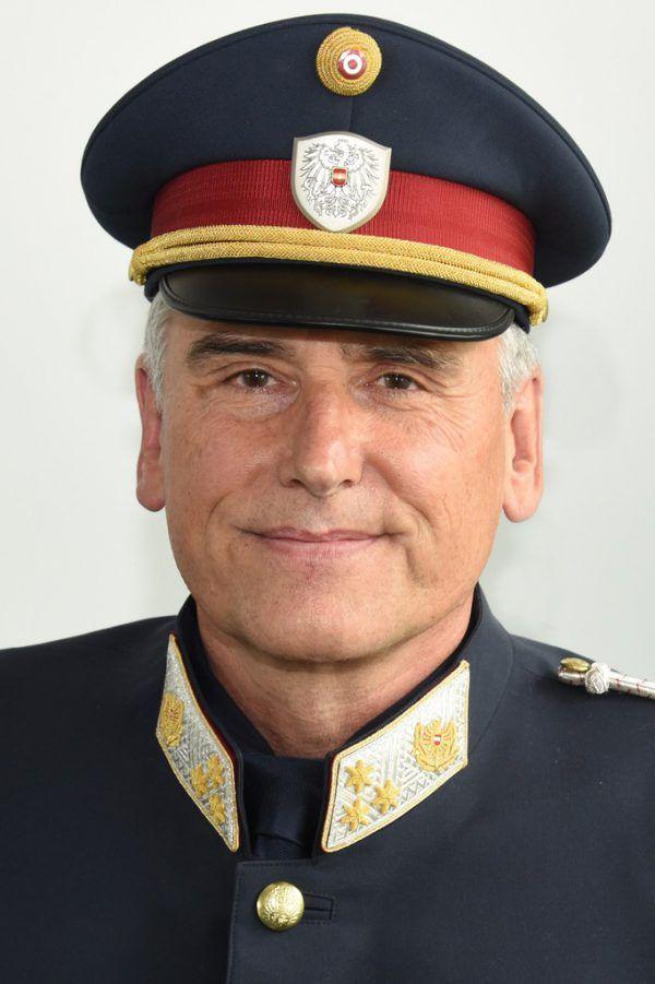 Robert Klucsarics. Polizei