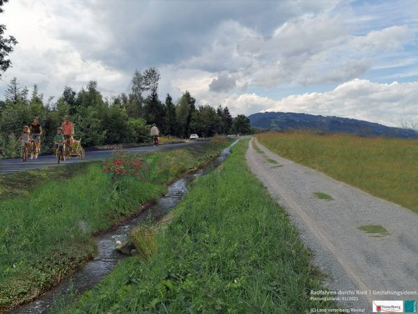 So wie im großen Foto könnten der Riedgraben und der Radweg künftig aussehen. Im kleinen Foto ist der Ist-Zustand zu sehen.Land Vorarlberg/Revital (2)