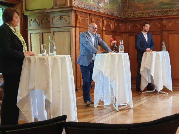Vizebürgermeisterin Irmgard Hagspiel, Bürgermeister Peter Halder und Amtsleiter Slobodan Tegeltija. Steinlechner