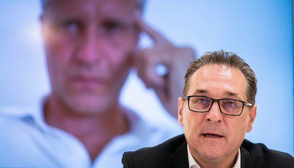Alt-Vizekanzler Heinz-Christian Strache entkam vom brennenden Boot.Georg Hochmuth/APA
