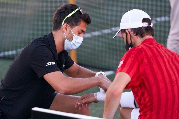Beim Turnier in Mallorca musste Thiem verletzt aufgeben. Nun muss der 27-Jährige für fünf Wochen pausieren. emotion