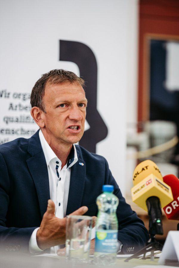 Bernhard Bereuter rät vorerst zu Flexibilität. Sams