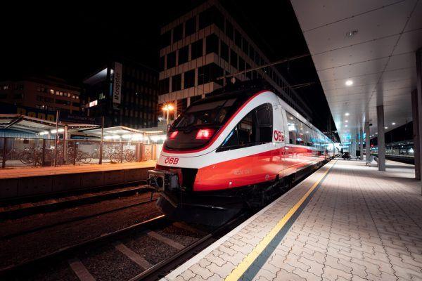Der Nachtzug ist am Wochenende wieder im Einsatz.VVV