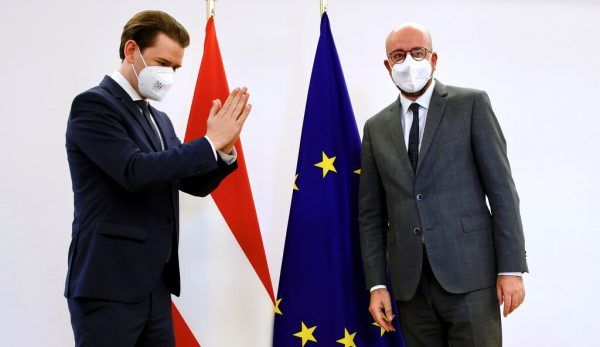 Die Frage, ob Bundeskanzler Sebastian Kurz Thomas Schmid etwas schuldig war, beschäftigt die WKStA und die Politik.olivier matthys/reuters
