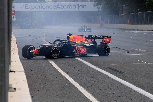 Die innere Seitenwand des Hinterreifens ging bei Max Verstappen kaputt.  AFP