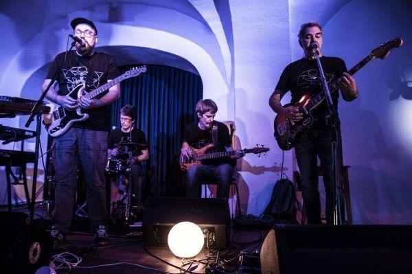 Die Vorarlberger Band steht seit bald zwei Jahrzehnten auf der Bühne.Daniel Furxer