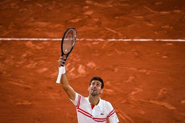 Djokovic bejubelt seinen großen Sieg gegen Nadal und will heute den Titel holen. AFP