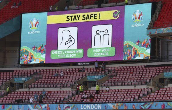 Im Wembley-Stadion sind am Samstag 22.500 Fans erlaubt. Österreicher und Italiener können aber nicht einreisen.ap