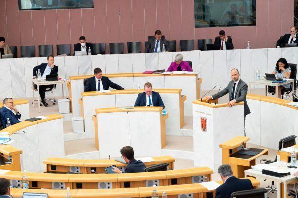 Nicht zum ersten und auch nicht zum letzten Mal war die S 18 Thema im Landtag.Landtag/Serra, Sams, Hartinger