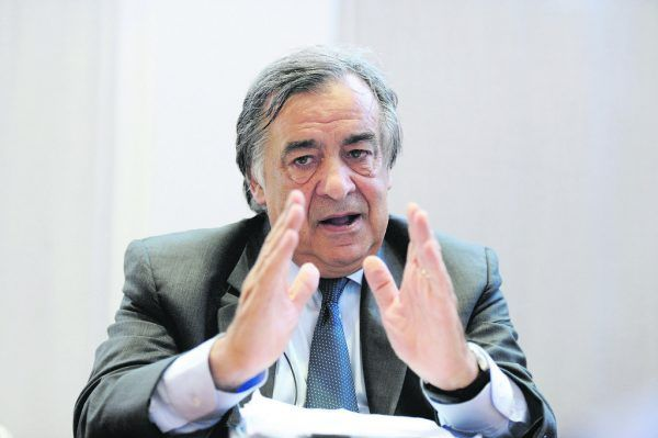 Palermos Bürgermeister Leoluca Orlando bittet die Bevölkerung um Geduld. Reuters